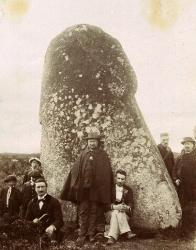 1897-la-peiro-plantado-menhir-de-picarel.jpg